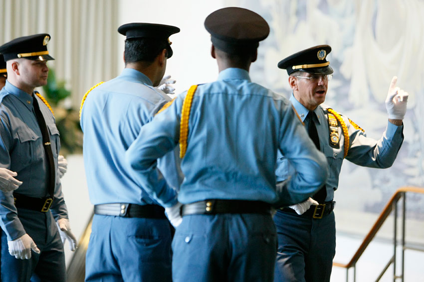 Feature un security bolsters freedom for diplomacy in new york around the world un news - How to become security officer ...