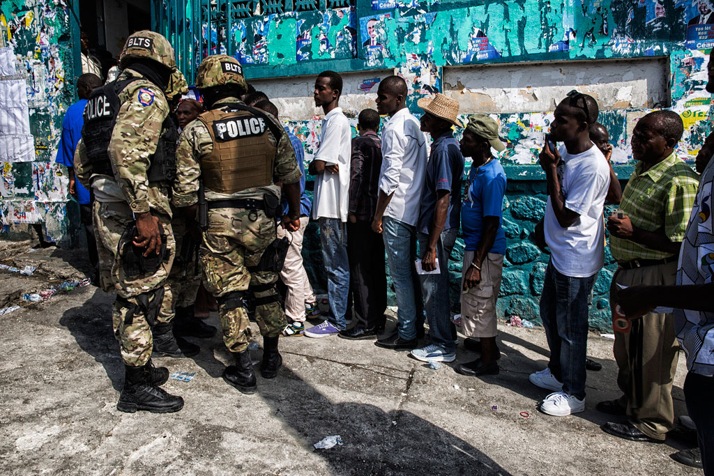 Haitians vote in the second round of the legislative and senatorial elections and the first round of the presidential election in Haiti's capital, Port-au-Prince, on 25 October 2015. UN Photo/MINUSTAH/Logan Abassi