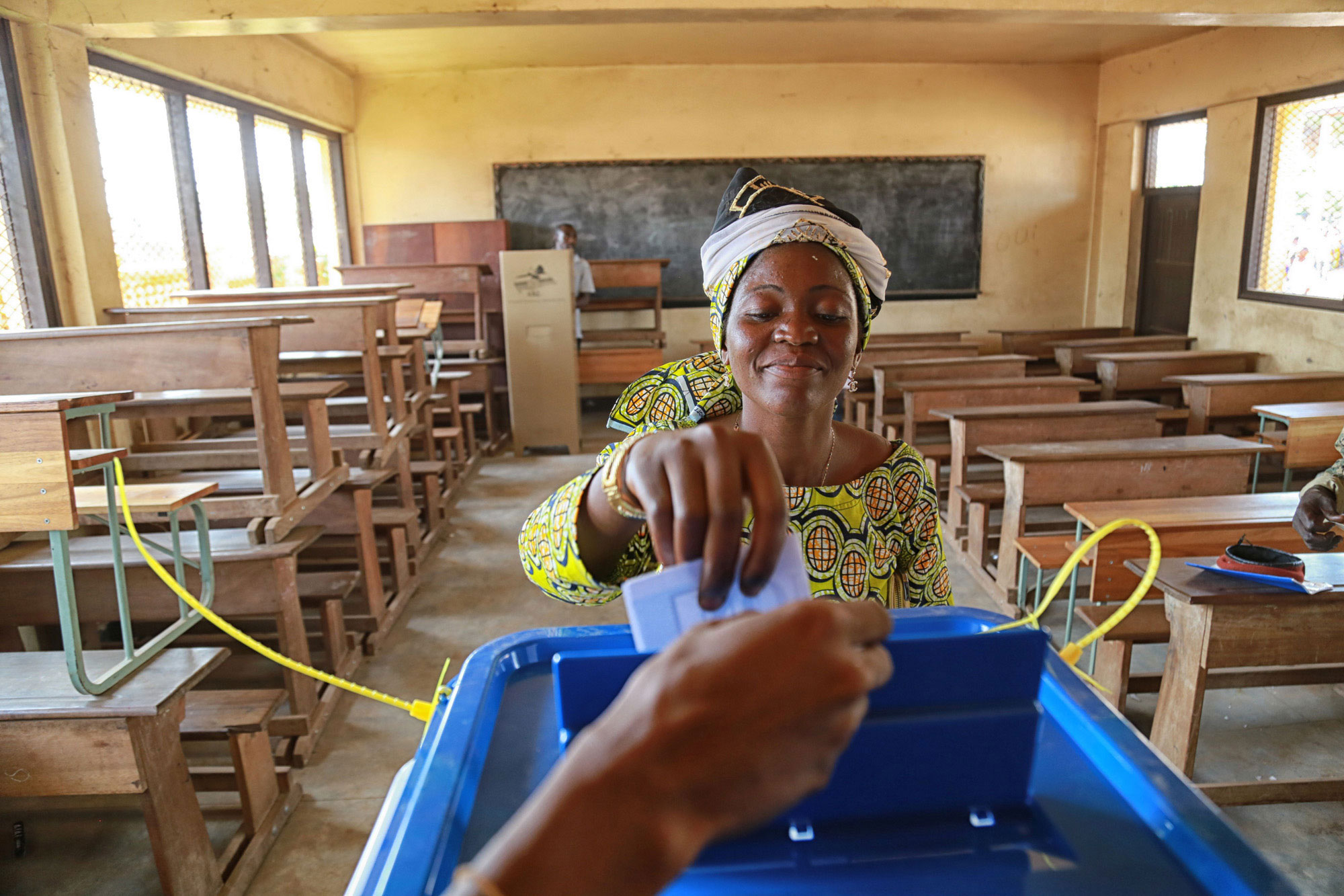 A voter casts her ballot in the Central African Republic's capital, Bangui, during a December referendum on a new draft constitution for the country. UN Photo/Nektarios Markogiannis