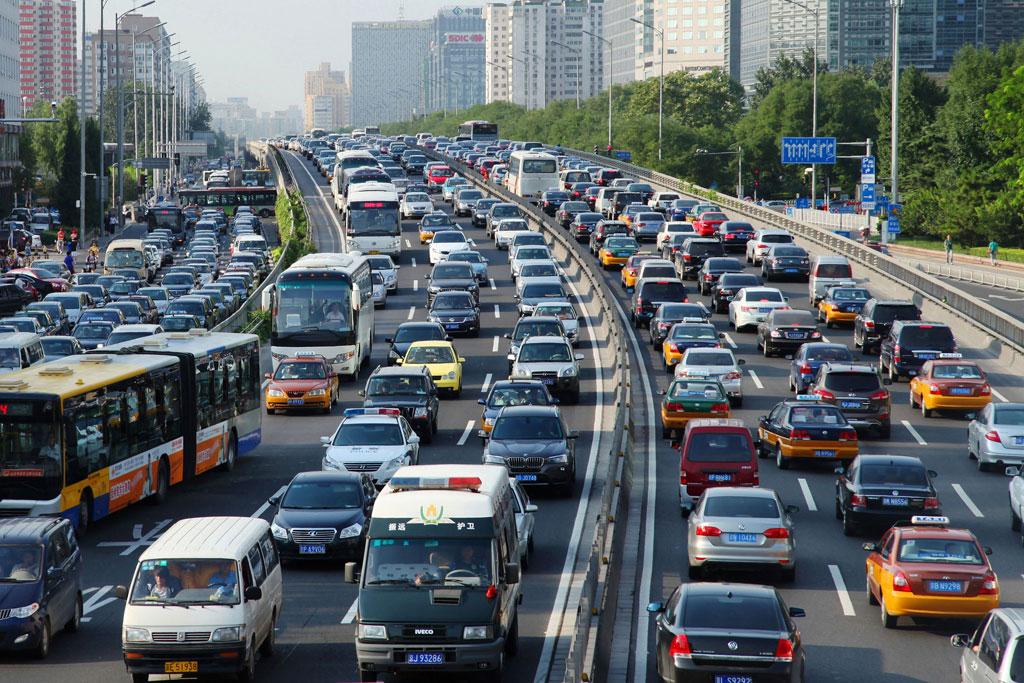 A scene of traffic in Beijing, China. World Bank/Li Lou