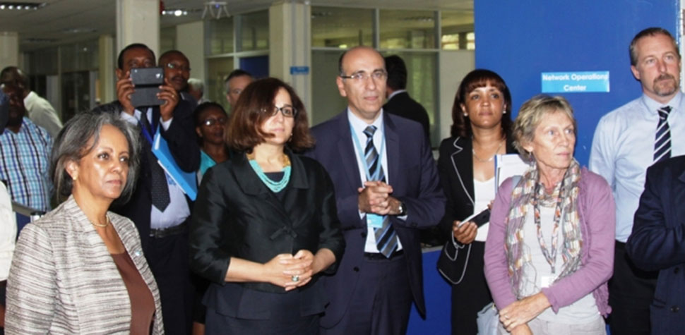 The Director-General of the UN Office in Nairobi, Sahle-Work Zewde (left), and Ms. Riazi officially opened the Unite Service Desk and Network Operation Center in Nairobi in May 2015.