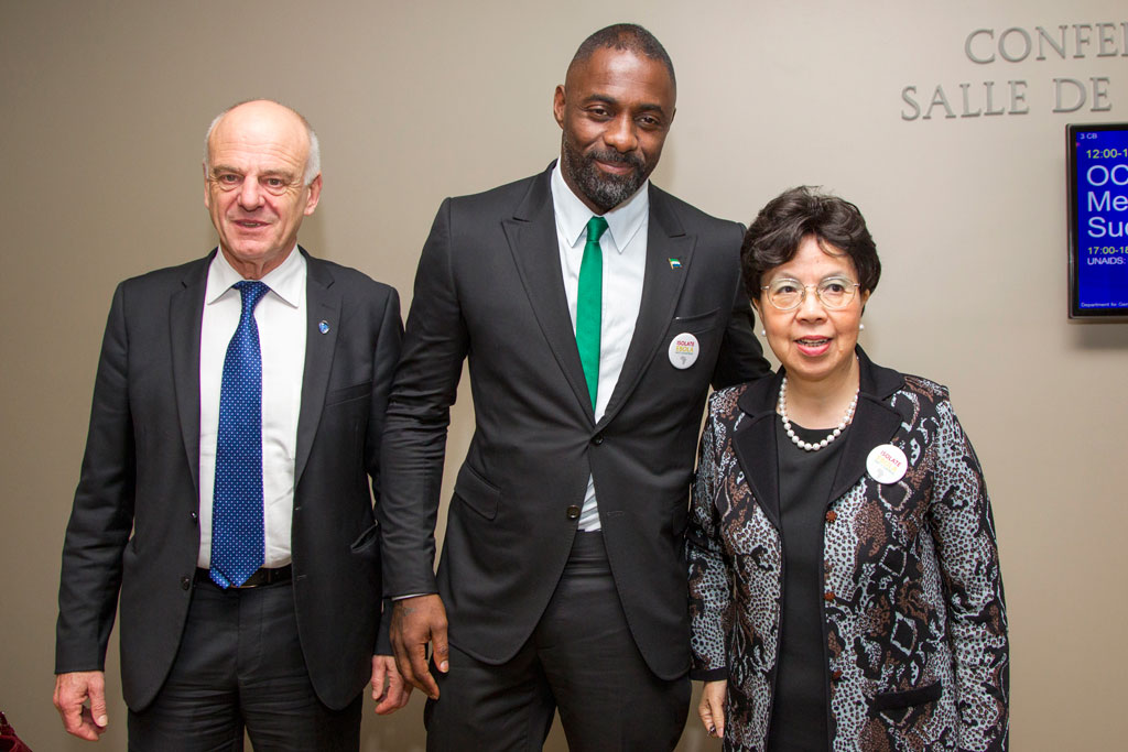 UN Special Envoy on Ebola David Nabarro (left) and Margaret Chan, Director-General of the World Health Organization (right), were joined by actor Idris Elba at a high-level meeting on the response to the Ebola outbreak held in September 2014. UN Photo/Rick Bajornas
