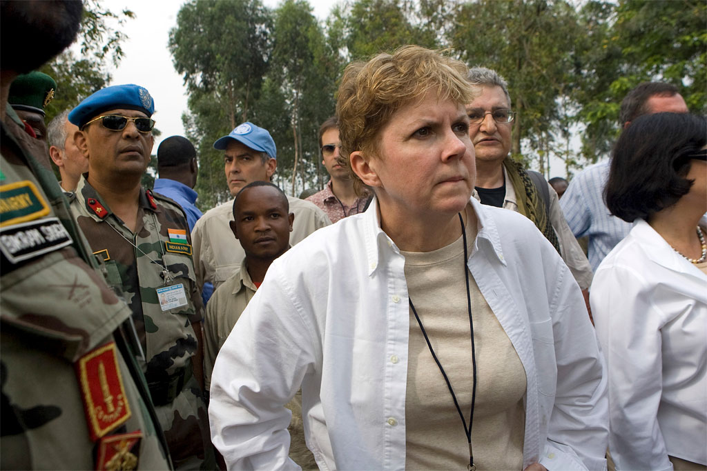 Jane Holl Lute visits a camp for Internally Displaced Persons in the Democratic Republic of the Congo. At the time, she was the Assistant-Secretary-General for Mission Support in the Department of Peacekeeping Operations. UN Photo/Marie Frechon