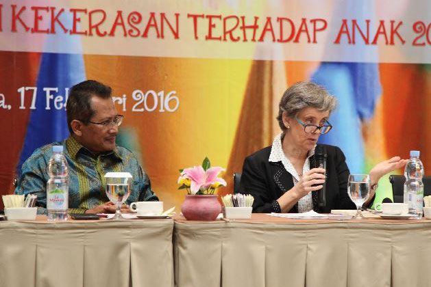 Special Representative of the Secretary-General Marta Santos Pais was the keynote speaker at a national seminar in Jakarta on the Indonesian National Strategy for the Elimination of Violence against Children.  Photo courtesy of the Special Representative's office