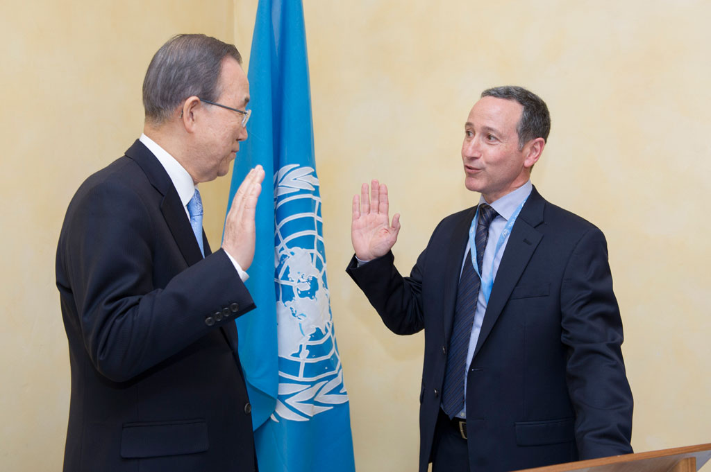 Swearing-in ceremony of Robert Glasser, Special Representative for Disaster Risk Reduction, in January 2016. UN Photo/Rick Bajornas