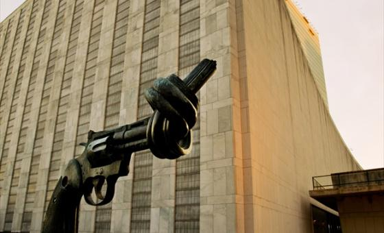 "The ""Non-Violence"" (or ""Knotted Gun"") sculpture by Swedish artist Carl Fredrik Reuterswärd on display at the UN Visitors' Plaza."