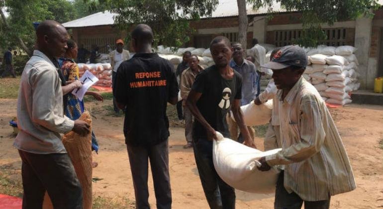 In Kasai Central, Democratic Republic of the Congo (DRC), World Food Programme DRC and partner World Vision distributed 41 tons of food to 2,800 vulnerable and displaced people in Tshilumba town.