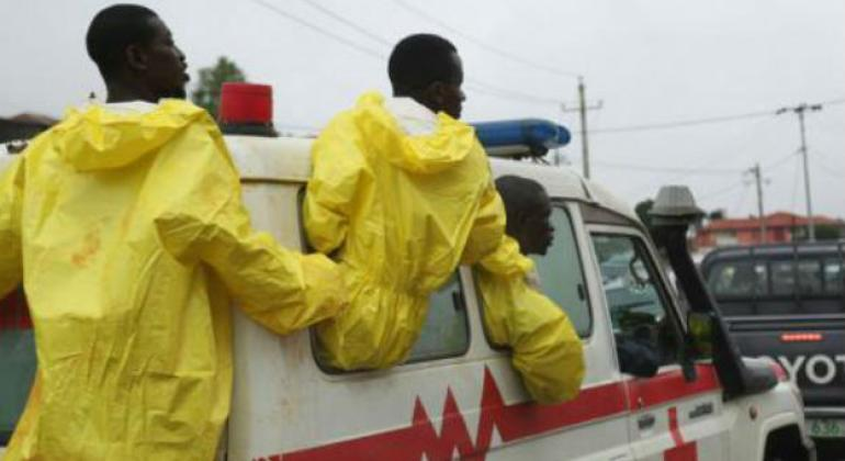 Emergency services on their way to the scene of a deadly mud slide in Freetown.