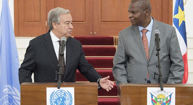 Secretary-General António Guterres (left) at a joint press briefing with President Faustin Archange Touadera of the Central African Republic on 25 October.