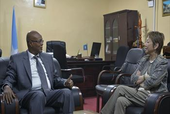 Judy Cheng-Hopkins (right), Assistant Secretary-General for Peacebuilding Support, meets with Abdiwali Sheikh Ahmed, Prime Minister of the Somali Republic, on her visit to the country.