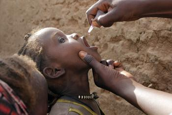 WHO recommends shortening the duration of polio vaccination campaigns to limit attacks on health workers.