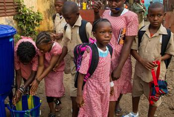 Reopening of school in Guinea. UNMEER/Martine Perret