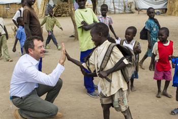 Toby Lanzer (front left), UN Humanitarian Coordinator in South Sudan.
