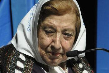 """Mother of an Argentinean """"disappeared"""" tells her story."""