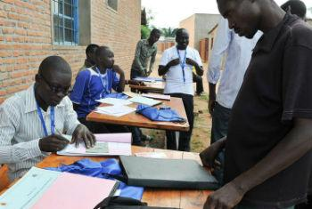 Electoral workers conducting voter registration in Burundi, earlier in April. MENUB File Photo