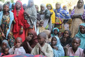 Refugees and returnees who have fled Boko Haram violence in Borno State, Nigeria, sheltering in Niger's Guesseré village on the border. IRIN File Photo/Anna Jefferys