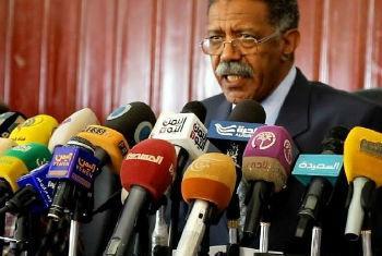 World Health Organization Representative for Yemen Dr. Ahmed Shadoul briefs the press.