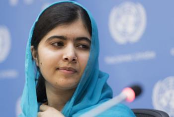 Malala Yousafzai briefing the press, 25 September 2015.