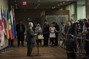 Abdallah bin Yahya Al-Moallimi speaks to journalists.