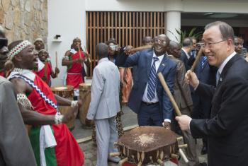 Secretary-General Ban Ki-moon (right) is welcomed by Gaston Sindimwo (centre right), First Vice-President of the Republic of Burundi, on his arrival in Bujumbura.