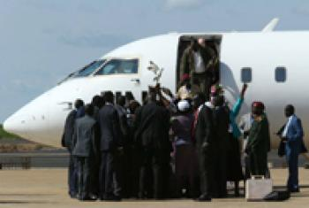 1st Vice President-Designate Riek Machar arrives in Juba.