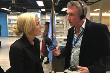 Matthew Wells interviewing actress Gillian Anderson at UN Headquarters in New York.