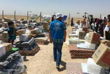 Fallujah, Iraq: UNHCR says it's vital that civilian safe routes are opened for safety and life-saving aid.