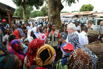 USG Stephen O'Brien visiting Dekoa, Central African Republic, on 21 October 2015. File