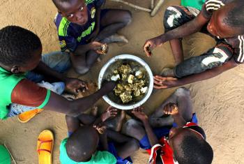 During the lean season, families in Wurotorobe, Burkina Faso, struggle to have at least one meal per day, but often they only calm the worst hunger. The poor diet makes small children extremely vulnerable to epidemics and disease.