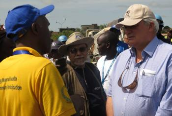 Stephen O'Brien (right). UNMISS Photo.
