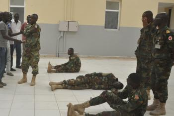 Ghanaian peacekeepers in Bentiu giving a workshop on how to handle mass casualty situations.