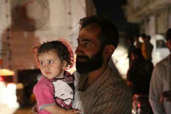 On 9 June 2016, WFP and partners delivered food for 2,400 women, children and men in besieged Darayya.