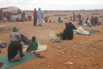 19 October 2016, Gaalkacyo, Somalia: The onset of the rainy season is likely to worsen living conditions for those displaced by the violence who are now seeking shelter in the open in Xaar-xaarka area.