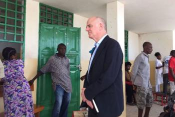 David Nabarro meeting and supporting people in Jeremie, Haiti, which was severely affected by Hurricane Matthew. © UN Haiti
