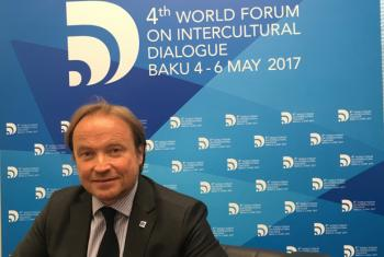Jean Christophe Bas, CEO of Global Compass, and moderator of a panel discussion on preventing the rise of populism and polarisation at the Baku Forum on Intercultural Dialogue in Azerbaijan co-organized by UNESCO, 4-6 May2017.