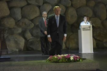 Secretary-General António Guterres at the Yad Vashem Holocaust Memorial in Jerusalem on 28 Aug 2017.
