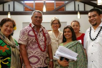 Nisha, Director of Office and Representative to the Pacific States, UNESCO, pictured fourth from the left, together with colleagues and staff from Samoan universities. Loau Solamalemalo Keneti Sio, Minister of Education, Sports & Culture, Government o