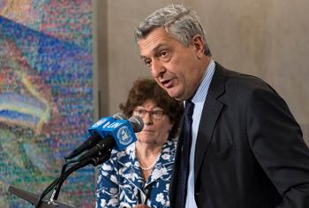 Filippo Grandi (right), UN High Commissioner for Refugees (UNHCR), and Louise Arbour (left), Special Representative for International Migration, speak to journalists following a special event on the New York Declaration for Refugees and Migrants.