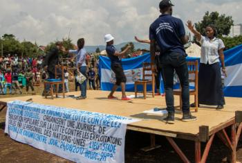 United Nations work with local communities in Kavumo, Democratic Republic of the Congo (DRC) to sensitize the population on prevention of sexual exploitation and abuse. MONUSCO/Alain Likota
