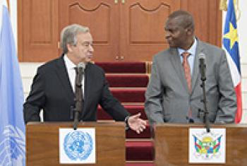Secretary-General António Guterres (left) at a joint press briefing with President Faustin Archange Touadera of CAR on 25 October.