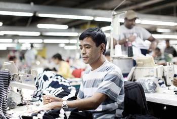In Jordan, the ILO supports national partners in improving working conditions and employment contracts for migrant workers in the garment sector.