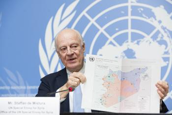 Staffan de Mistura, United Nations Special Envoy for Syria briefs the press on the last day of the 8th round of the Intra-Syrian talks, Geneva. 14 December 2017. UN Geneva/Violaine Martin