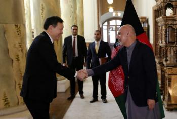 UN Security Council President Kairat Umarov (left) shakes hands with Afghan President Ashraf Ghani at the Presidential Palace in Kabul. The Council undertook a visit to Afghanistan from 13 to 15 January 2018.