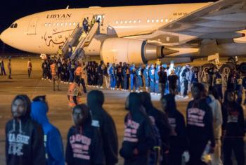 In November 2017, IOM assisted 243 Guinean migrants in returning home from Libya under its Voluntary Humanitarian Return programme.