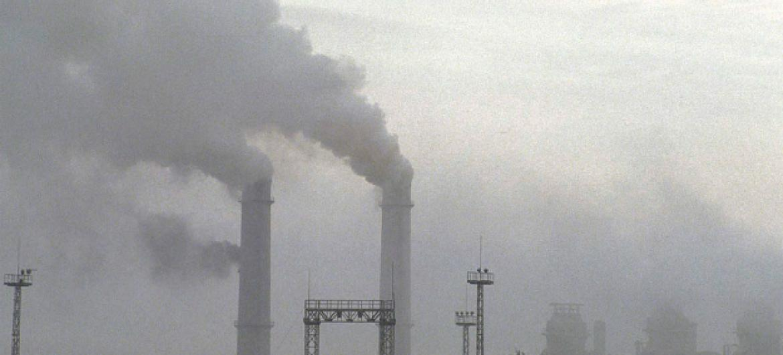 Según la Organización Mundial de la Salud (OMS) el 80% de las personas que habita en ciudades convive con niveles de polución superiores a los recomendados por el organismo. Foto: Banco Mundial: Curt Carnemark.