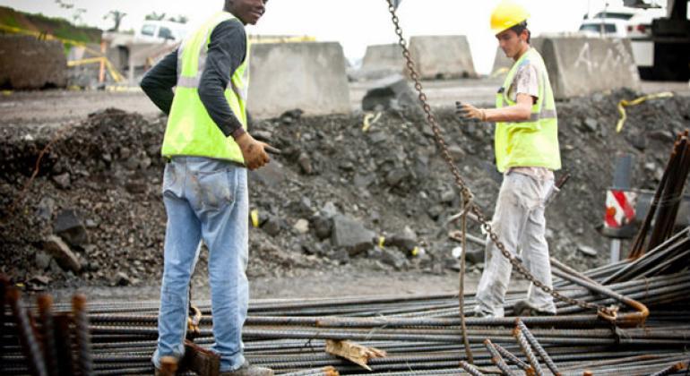 Trabajadores de la construcción en Panamá. Foto: Banco Mundial/Gerardo Pesantez.