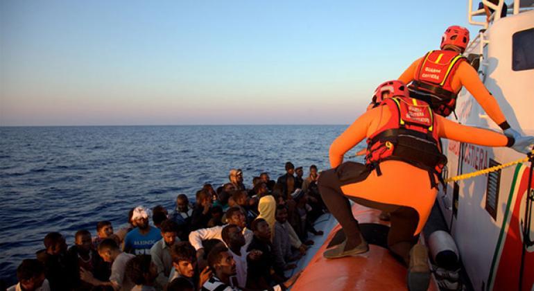 Rescate de refugiados en el Mediterráneo.