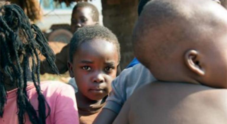 Una de las metas de UNICEF en Sudán del Sur es tratar a 207.000 niños contra la desnutrición severa aguda en 2017. Foto: UNICEF/UN049178/Gonzalez Farran