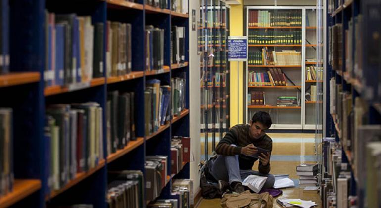Estudiante de derecho en Lima. Foto: Dominic Chávez/ Banco Mundial