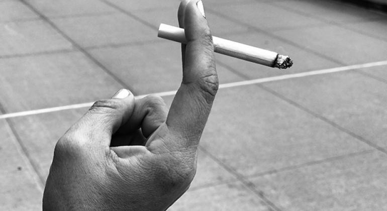 El impuesto al tabaco funciona. La OMS destacó que recientemente Filipinas dijo que un millón de personas dejaron de fumar gracias a impuestos más altos a los cigarrillos. Foto: Noticias ONU/Rocío Franco.